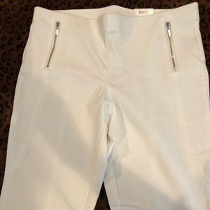 White legging pants